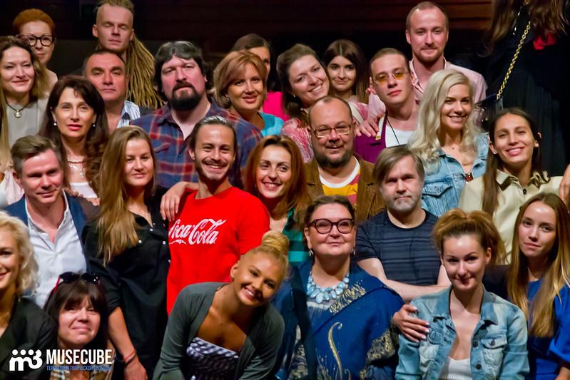 Sbor_truppy_Teatr_na_Taganke_028