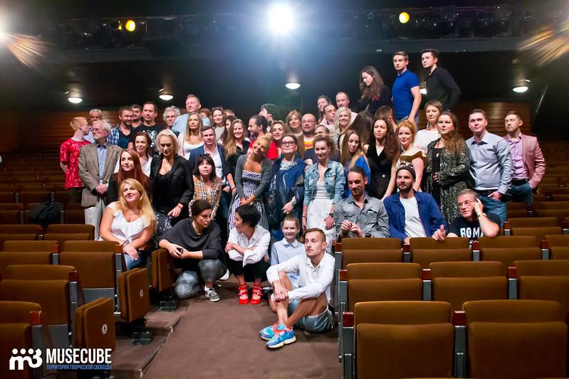 Sbor_truppy_Teatr_na_Taganke_027