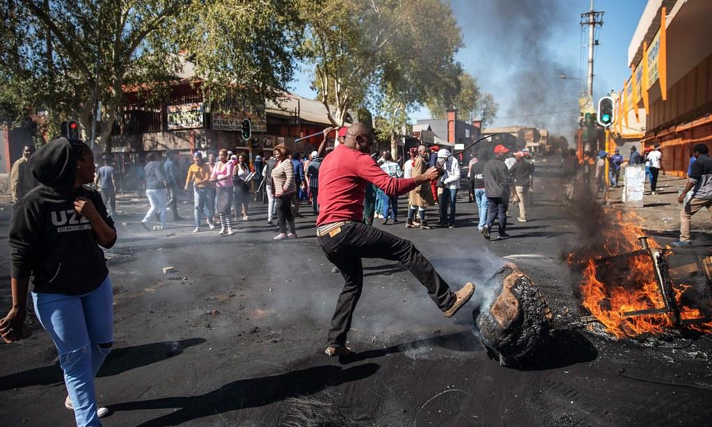 南非約翰尼斯堡爆發仇外攻擊。(圖片來源:Michele Spatari/AFP)