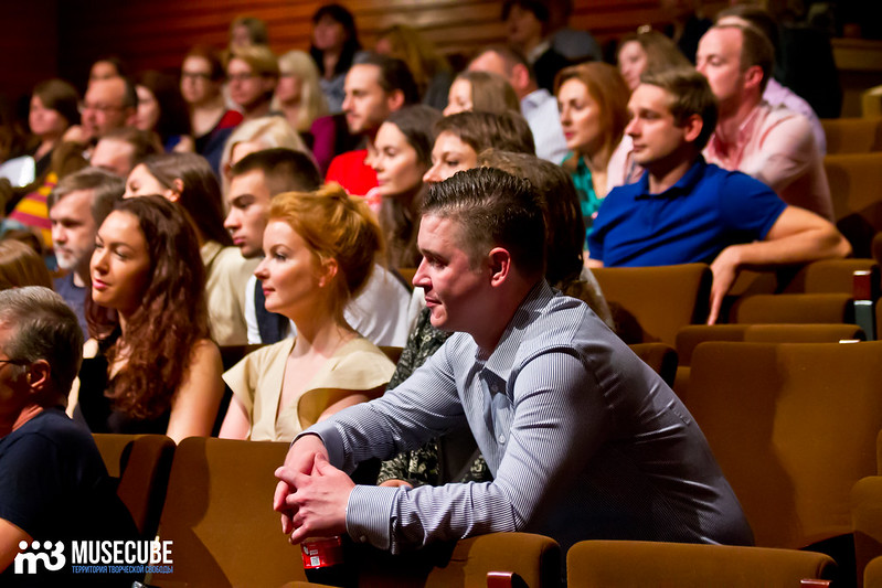 Sbor_truppy_Teatr_na_Taganke_023