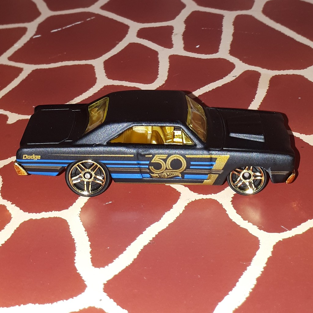 Hot Wheels 2018 /'68 Dodge Dart 50th Anniversary Black and Gold Series