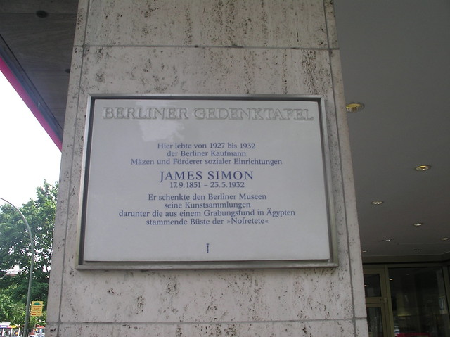 2006 Berlin Berliner Gedenktafel Mäzen James Simon (1851-1932) wohnhaft 1927-1932 Bundesallee 23 in 10717 Wilmersdorf