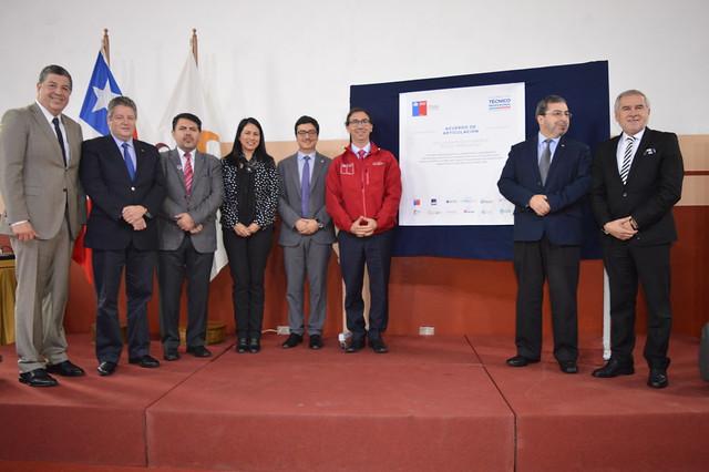MINEDUC anuncia Primer acuerdo nacional de Educación Técnico Profesional