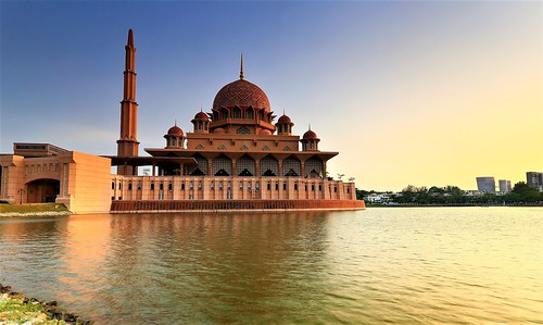 mosque malaysia sunset architecture putrayalake purtaya colour atmosphere