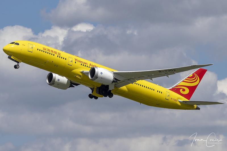 Boeing 787-9 Dreamliner – Hainan Airlines – B-7302 – Brussels Airport (BRU EBBR) – 2019 06 17 – Takeoff RWY 25R – 01 – Copyright © 2019 Ivan Coninx