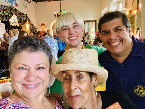 Beth Arroyo Utterback, Beth Cohen (top), Dee Lindsey, Jorge Fuentes at the Groove Gala - Sep. 5, 2019. Photo by Beth Arroyo Utterback.