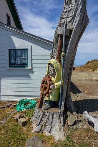Sailor carved in tree at Battery Point Lighthouse at Crescent City-01 8-20-19-1 | by George Lamson