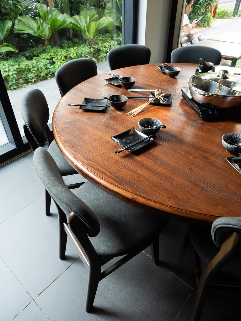 PoPo Hot Pot SS2's big round table for big dining group