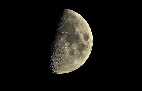 DSC02746 (2) Waxing Gibbous Moon 61,5%