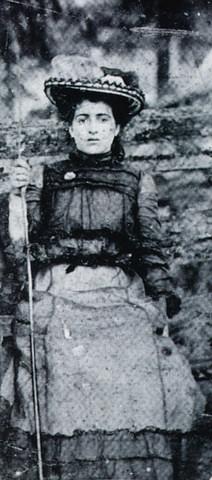 Elva Zona Heaster Shue as a schoolgirl