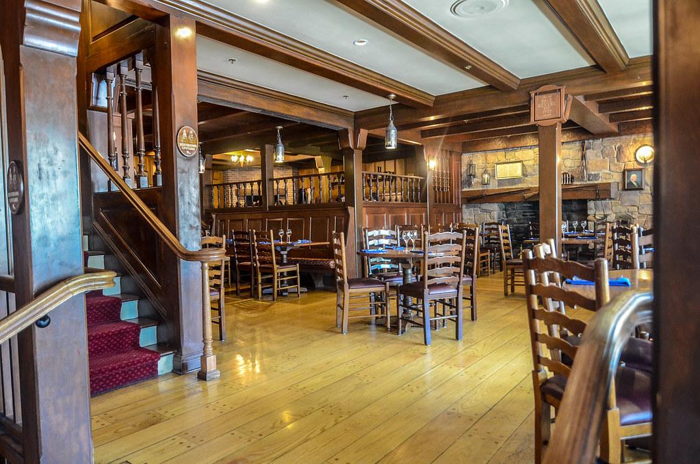 Liberty Tree Tavern room MK