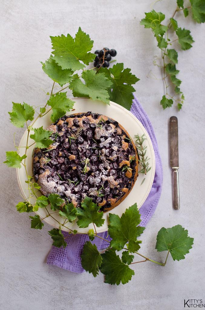 torta all'uva fragola, olio extravergine e rosmarino