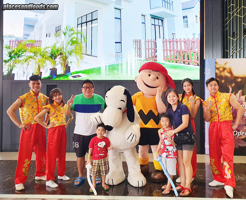 snoopy world tour