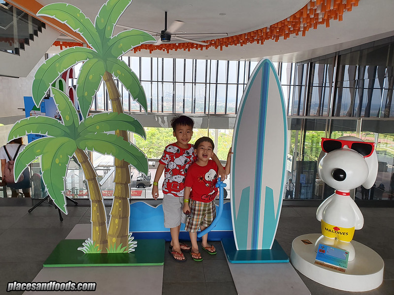 snoopy world tour maldives