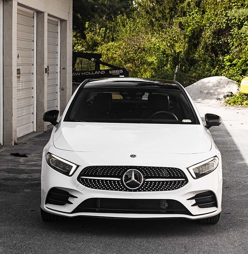 2019 Mercedes-Benz A220 4MATIC: German Artistry Photo