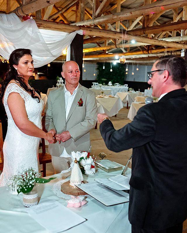 Bodas de Papel comemora hoje os meus querido a amigos Lisa e Fábio. https://ift.tt/2IxSI11 Facebook/Instagram @francisphotographer WhatsApp 048984257374 #bodasdepapel #casamentoflorianopolis #casamentopalhoça #casamentoemsaojsesc #fotografoemflorianopolis