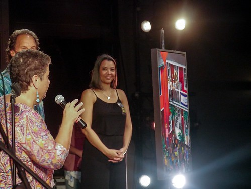 Talking about Ceaux's art for the Groove Gala - Sep. 5, 2019. Photo by Katherine Johnson.