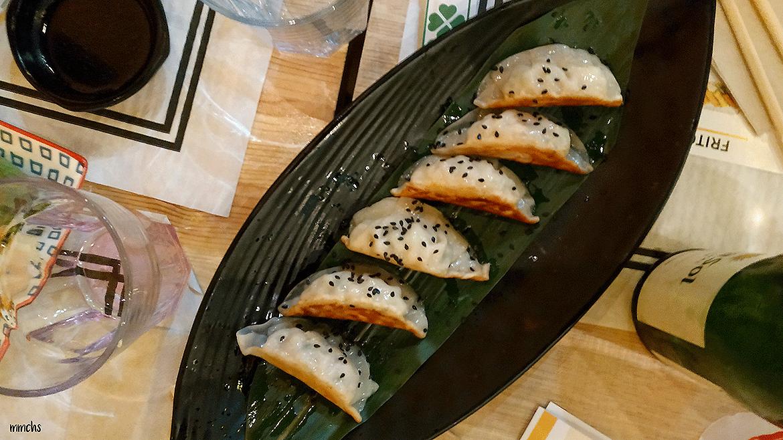 comida restaurante Crensa camareros robots