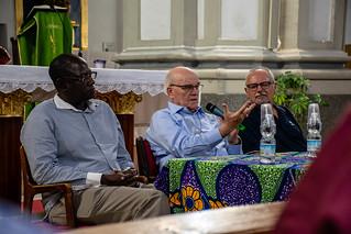 Mesa redonda sobre la situación de la Iglesia en el Chad