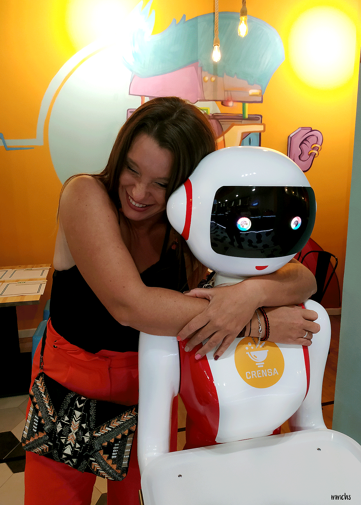 camareros robots restaurante Crensa Valencia