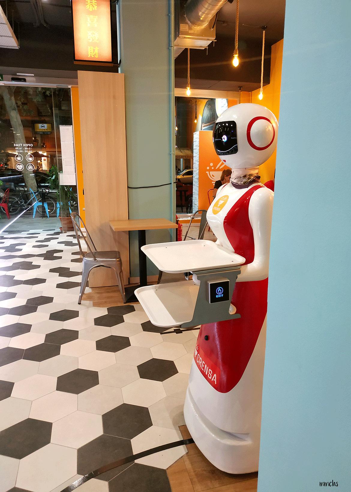 camareros robots restaurante Crensa