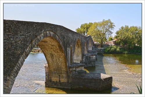 Arta's historical bridge (17th century)