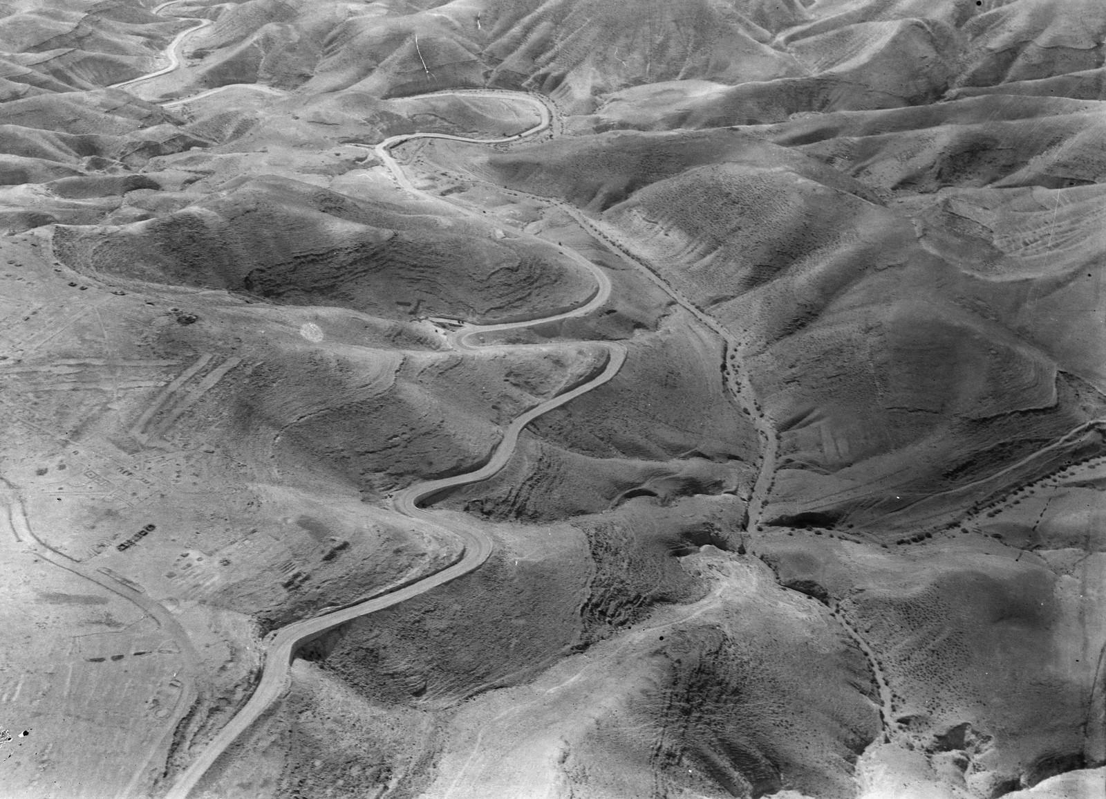 06. Воздушный маршрут по старой дороге Иерусалим-Иерихон. Иихонкая дорога у Наби Муса