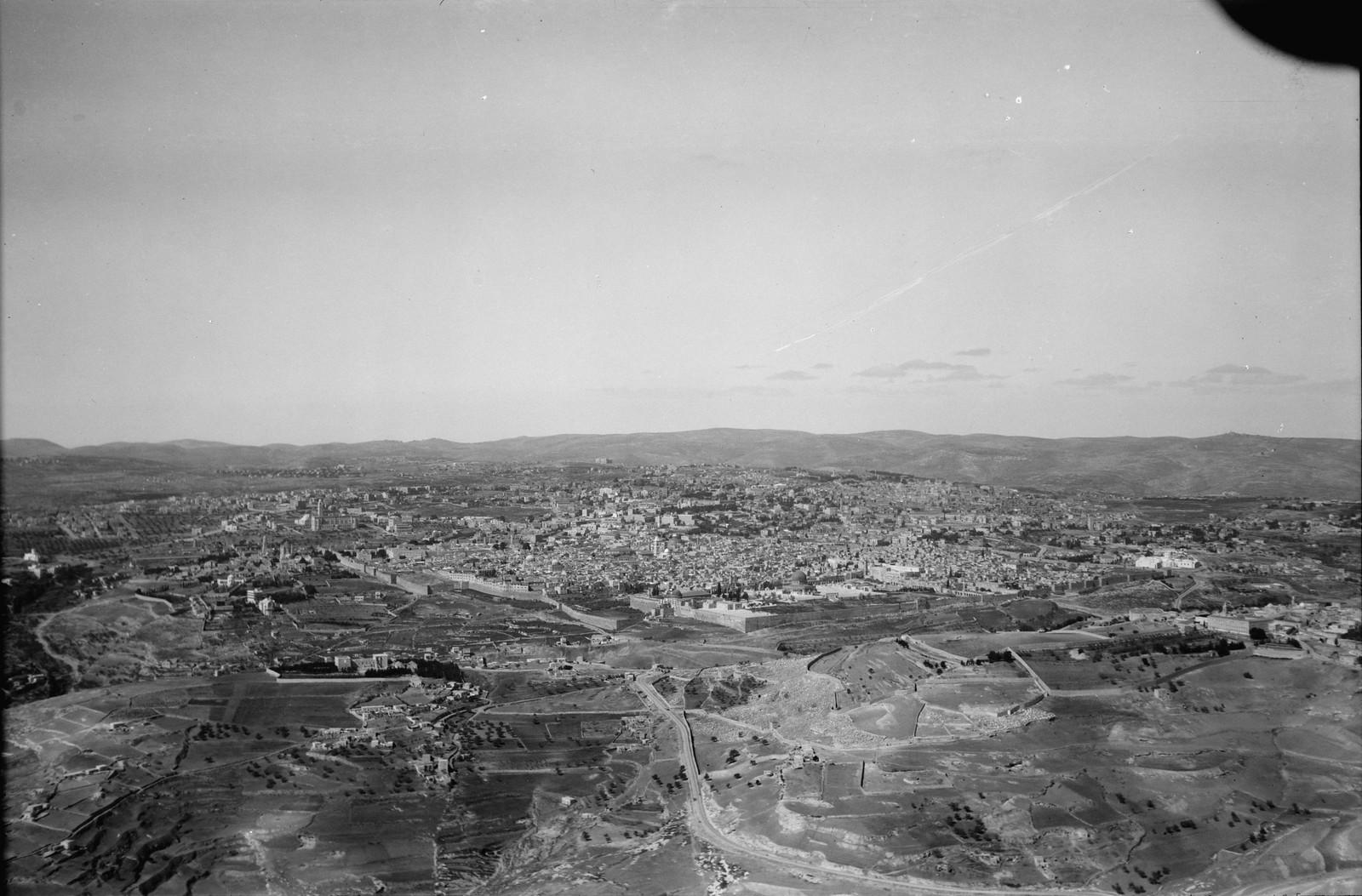01. Воздушный маршрут по старой дороге Иерусалим-Иерихон. Иерусалим с юго-восточной стороны. Вид города из Вифании