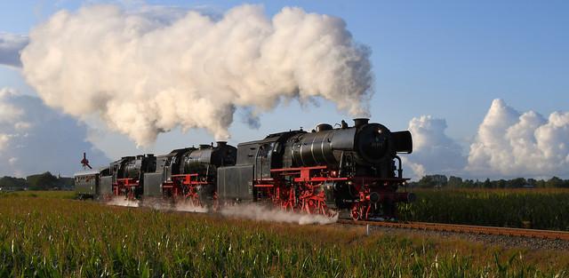 VSM 23 071, VSM 23 076 und SSN 23 023 zwischen Beekbergen und Loenen.