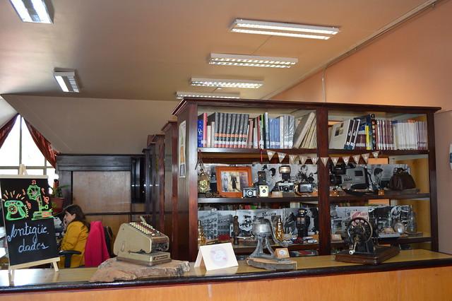 Muestra de Antigüedades en Biblioteca
