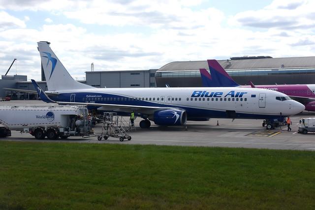 Blue Air YR-BMK