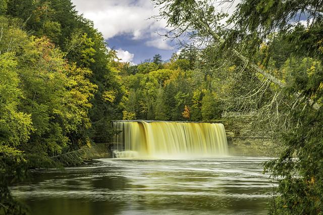 Tahquamenon Upper Falls in Michigan, October 2017
