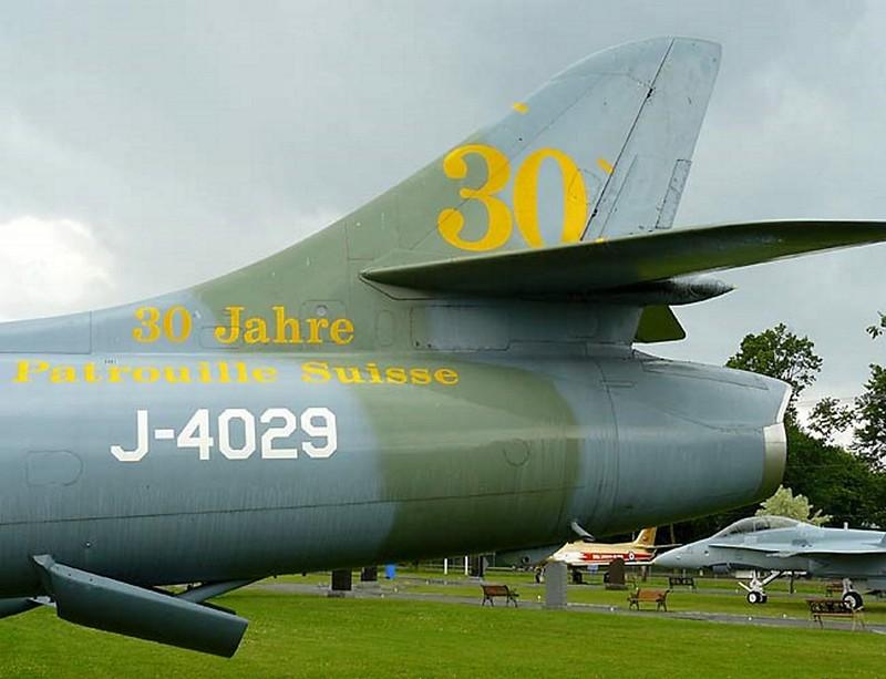 Hawker Hunter F-6 4