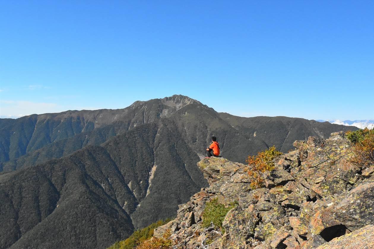 栗駒山から眺める仙丈ヶ岳