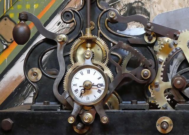 Clock (Odd)