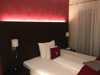 21 - Zimmer & Bett - Hotel das Mei - Muttern
