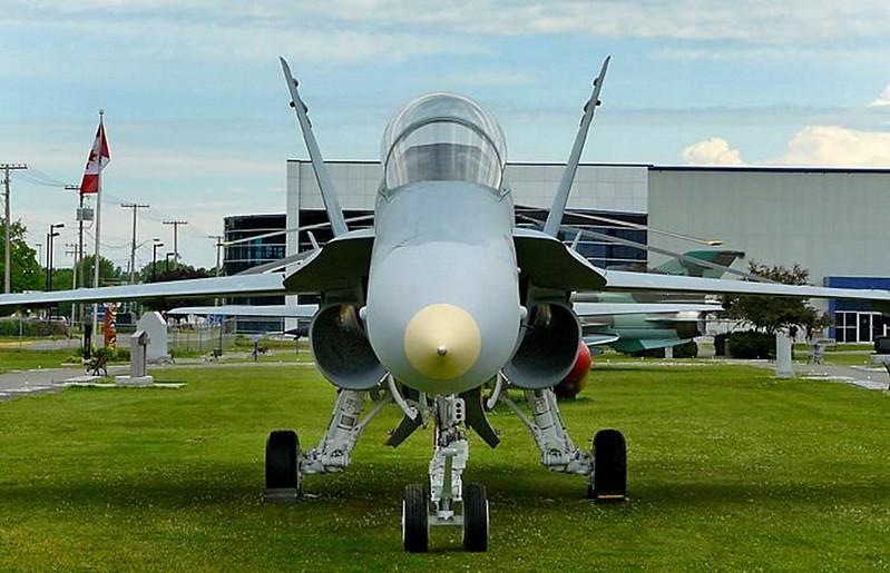 McDonnell Douglas CF-118 Hornet 2