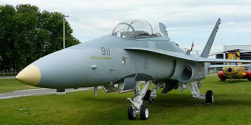 McDonnell Douglas CF-118 Hornet 3