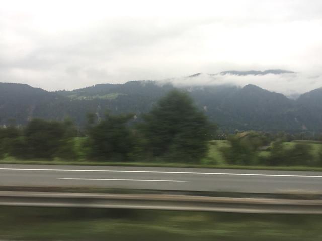 01 - Voralpen in Wolken