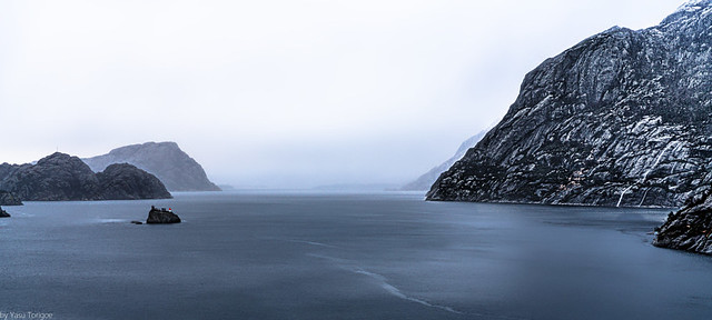 Early morning view of waterways of Norway at Gåsevika which north of Bergen-36a