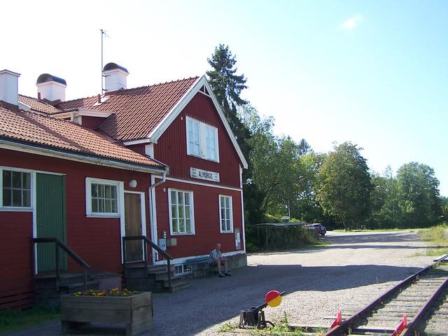 Almunge järnvägsstation