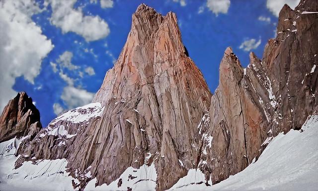 PATAGONIA - Argentina - Mount Fitz Roy (Altitude: 3405 m)