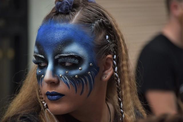 08/9.- ...Misteriosa y bella mirada de una Dama de la Cruz... (Moros i Cristians Quart de Poblet 2019)