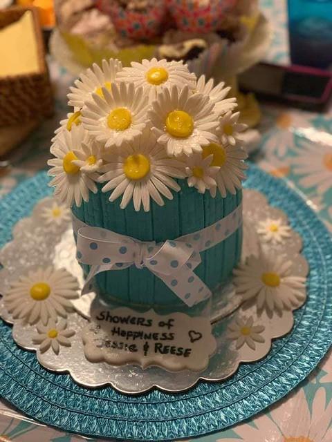 Cake by Laurels Cake Cottage