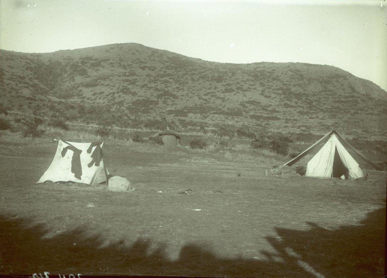 324. 1899. Абиссиния. г. Аддис-Абеба. Палатки ашкеров (солдат)