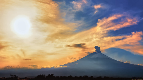 The sky and the volcano