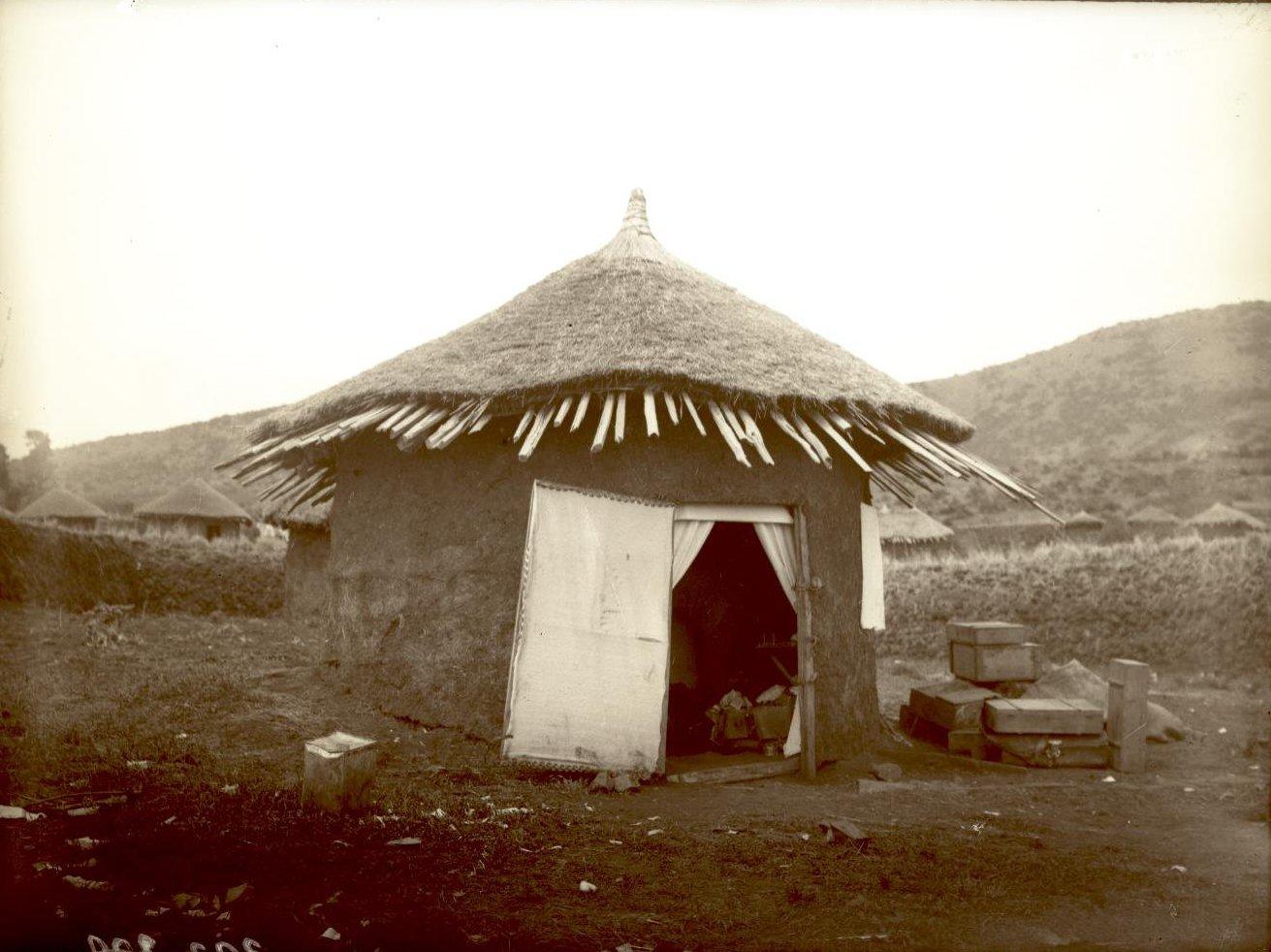 323. 1899. Абиссиния. г. Аддис-Абеба. Дом врача Драгомирова