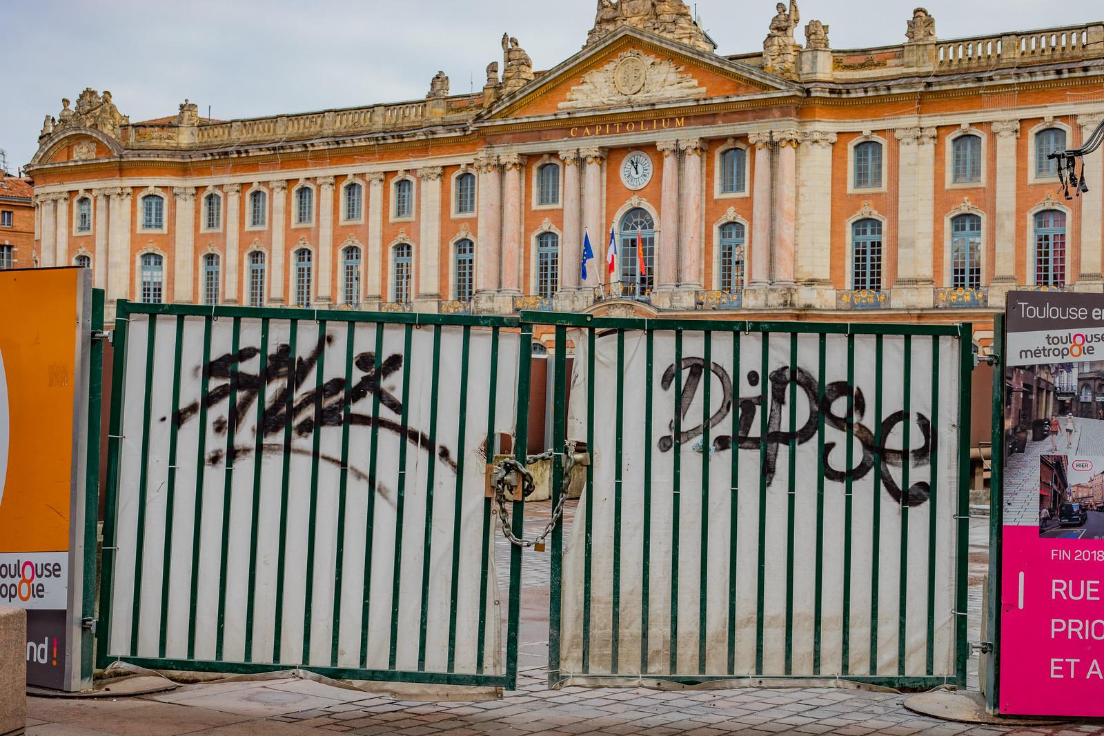 Split et Dips graffiti mobilier urbain