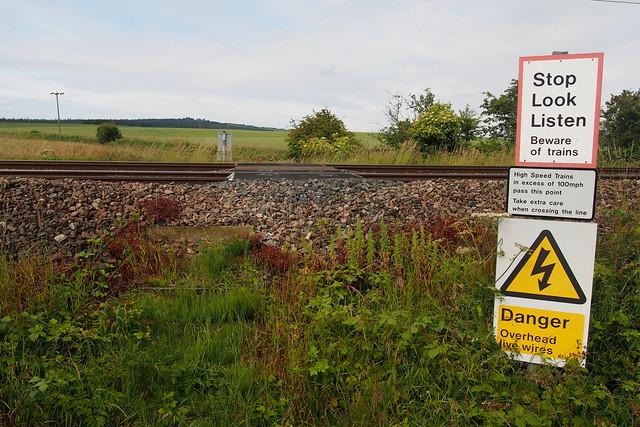 Crossing the East Coast Main Line near Fenham