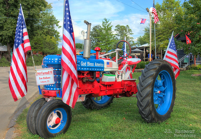 1944 Patriotic Farmall H - Wilson County Fair 2019 - Lebanon, Tennessee